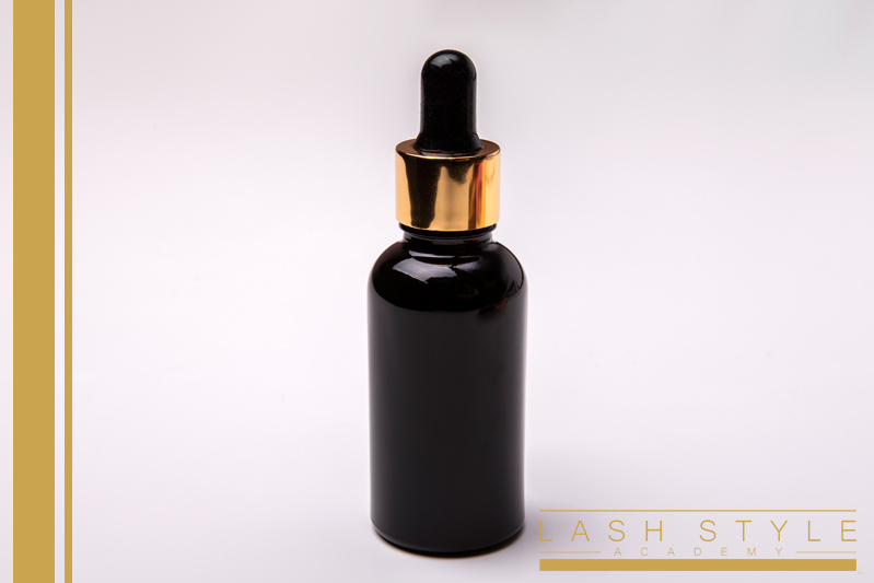 Pipettás fekete üveg